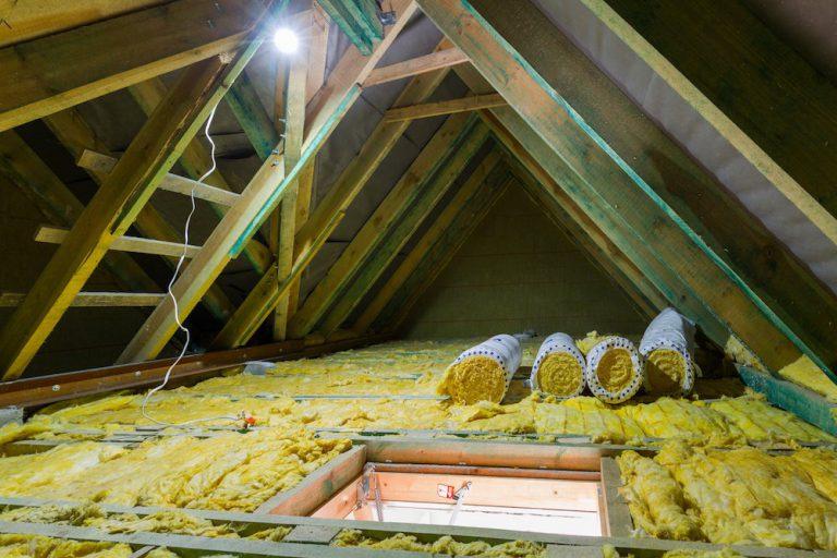 Die Dachbodendämmung eines Daches