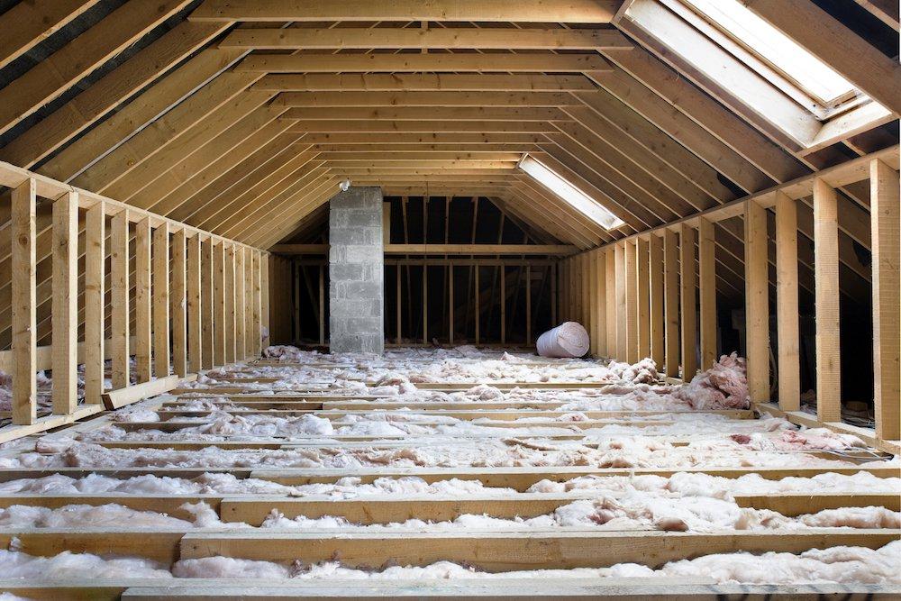 Dachbodendämmung auf der Decke
