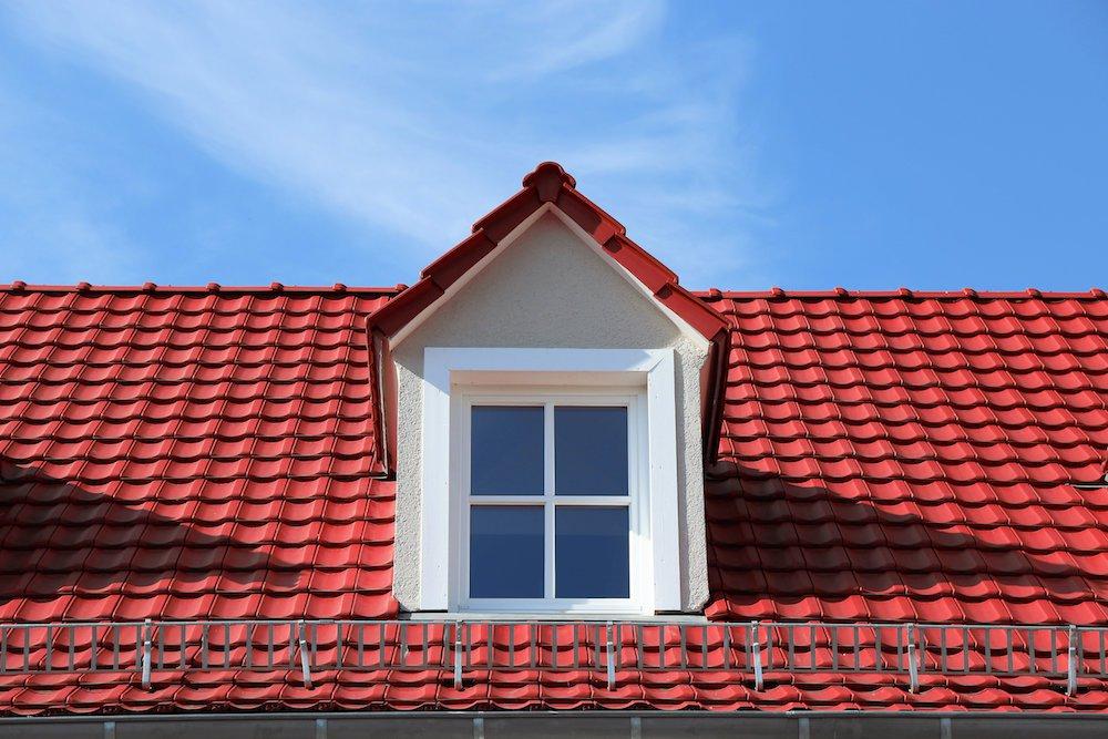 Eine kleine Dachgaube auf einen Steildach